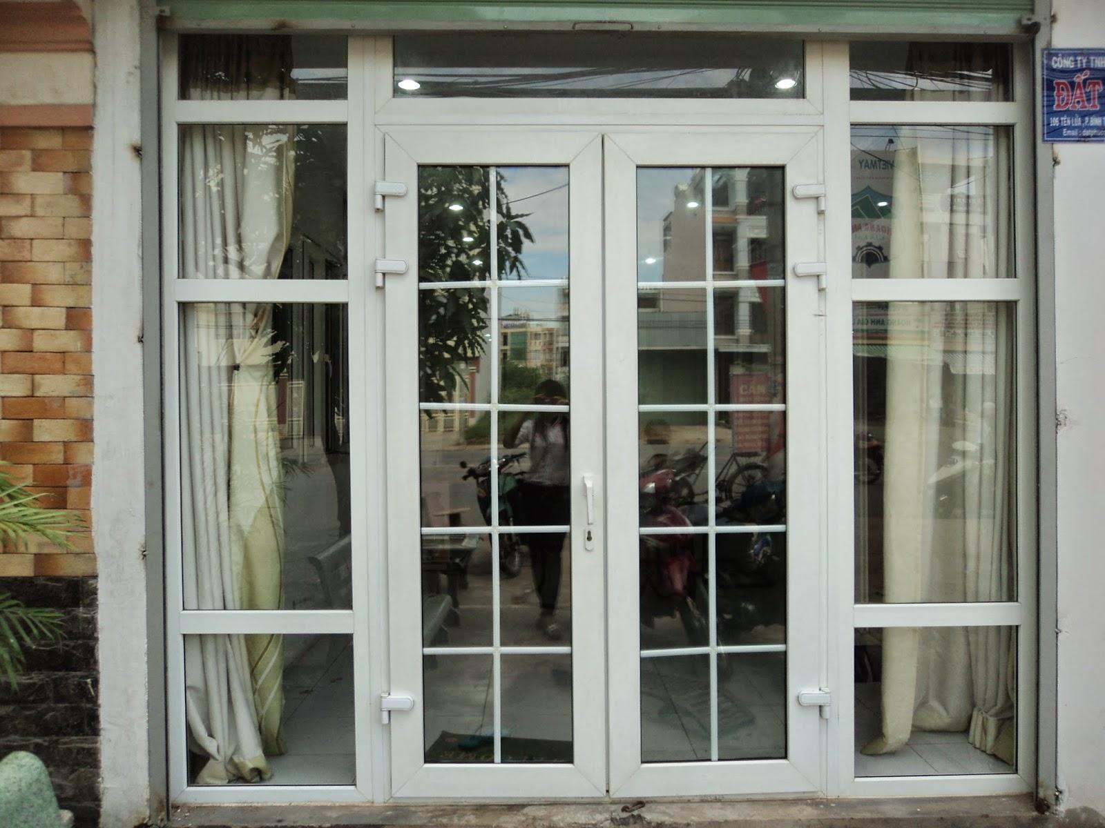 Cửa nhôm kính rất đẹp và an toàn trong quá trình sử dụng