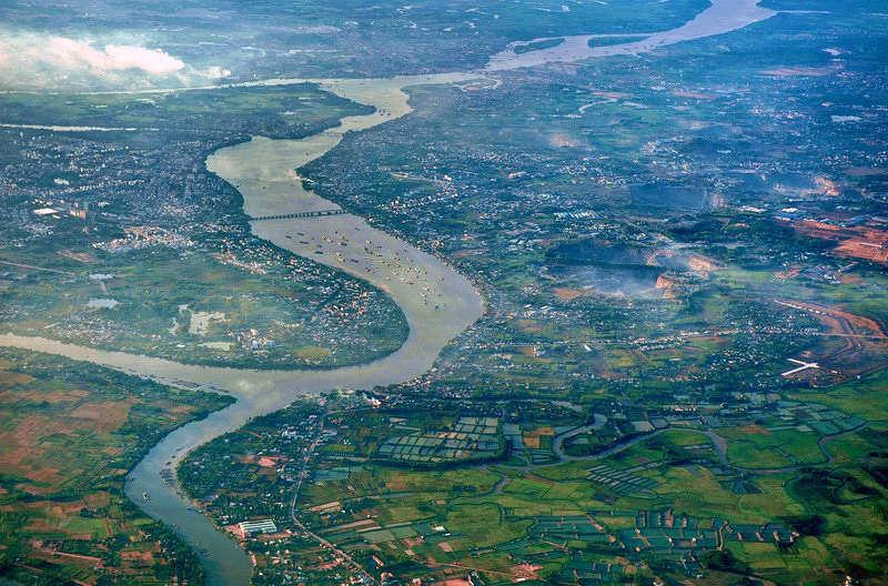 Khu vực Biên Hoà nằm trên bờ sông nào hiện nay?