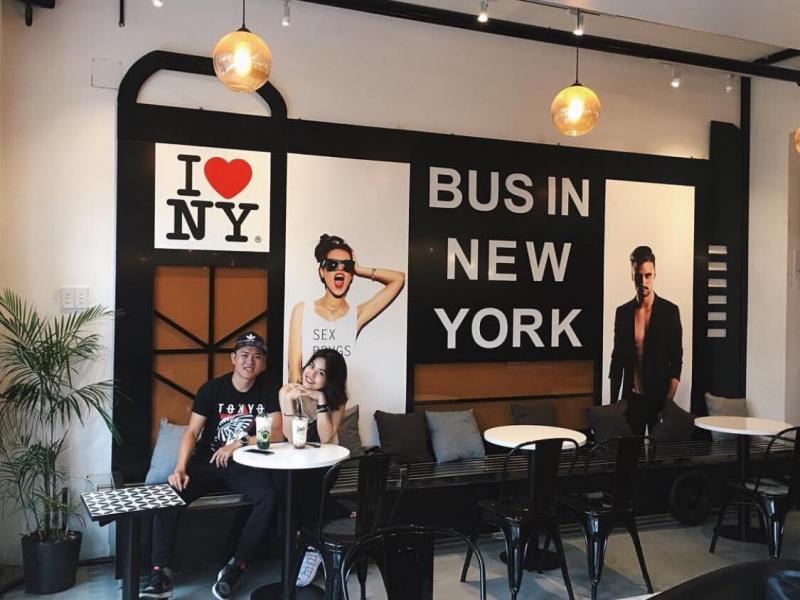 Bus In New York Cafe - quán cafe ăn sáng điểm tâm nhẹ nhàng